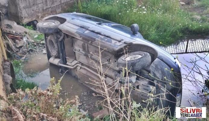 Sürücü otomobiliyle kanala uçtu