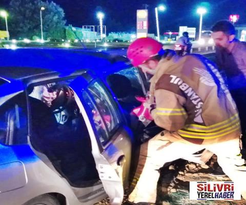 Silivri'de otomobil ile kamyon çarpıştı