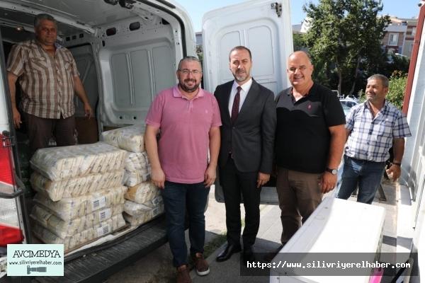 Hayırsever iş adamı ve esnaflardan gıda bankasına destek