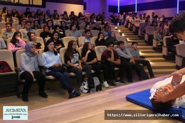 """İBB Çocuk Meclisi'nden """"Dünya İlk Yardım Günü""""ne özel seminer"""