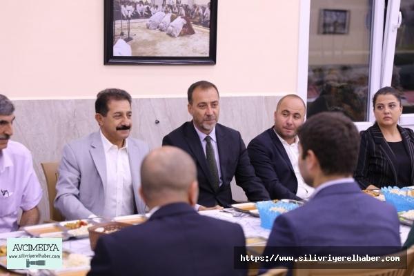 Yılmaz, Silivri Cemevi'nde düzenlenen iftara katıldı