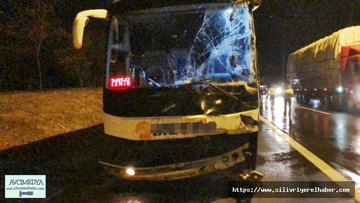 Silivri'de yolcu otobüsü ile çöp kamyonu çarpıştı