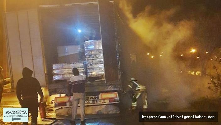 TIR yangını büyümeden itfaiye ekiplerince söndürüldü