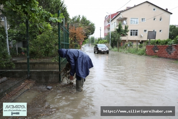 Silivri Belediyesi Sağanak Yağışta Yoğun Mesai Harcadı