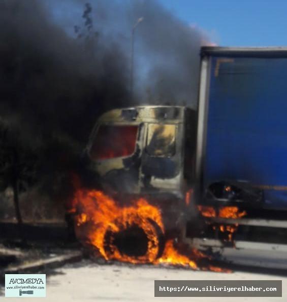 Silivri Cezaevi Otoparkındaki TIR yandı