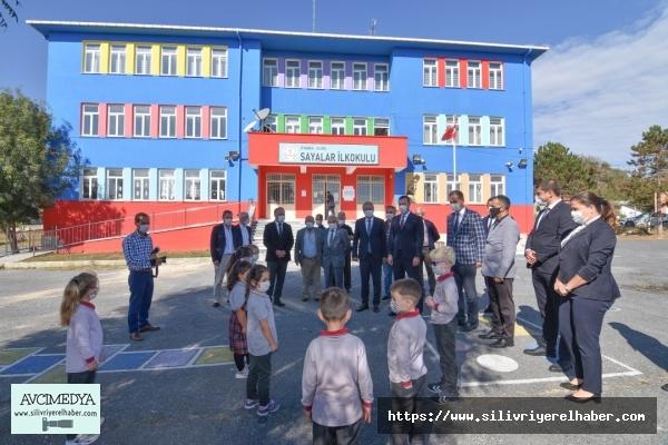 Silivrili öğrencilere okul çantası ve kırtasiye desteği