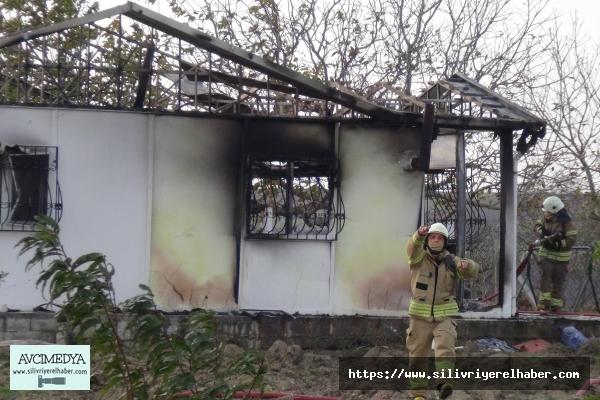 Silivri'de Feci Olay! 2 Kardeş Yangında Hayatını Kaybetti