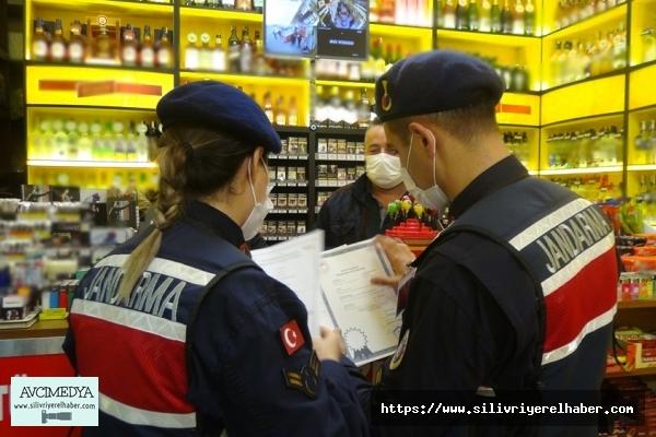 Jandarma Silivri'de Yılbaşı Öncesinde Kaçak ve Sahte Alkol Denetimi Yaptı