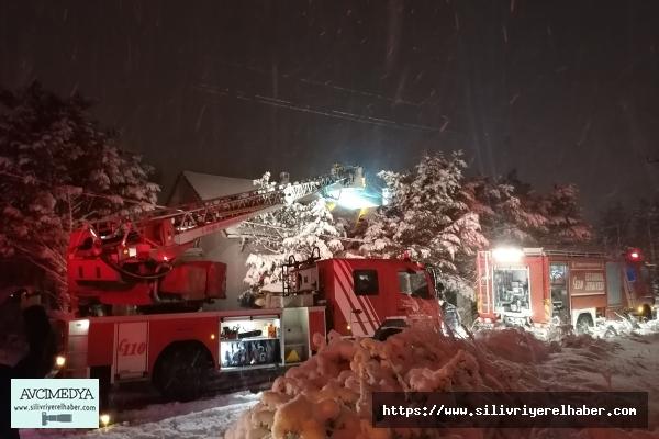 Silivri'de Çatı Yangını