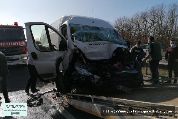 Silivri'de peş peşe trafik kazası: 5 yaralı