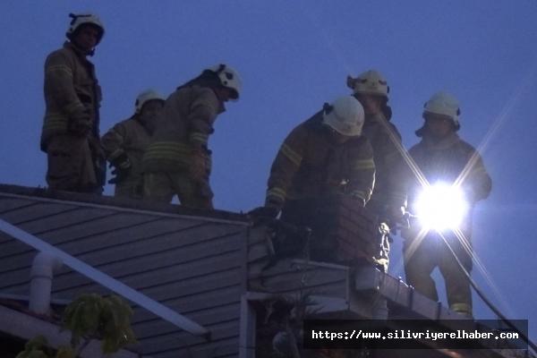 Silivri'de iki ayrı yangın