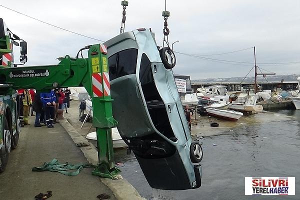 Silivri'de otomobil denize düştü