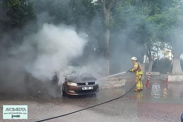 Silivri'de Elektrik Direğinden Düşen Kıvırcım Otomobili Yaktı