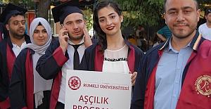 Rumeli Üniversitesinin mezuniyet coşkusu