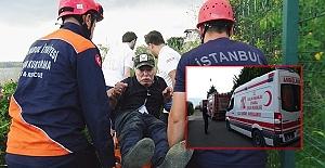İtfaiye personelleri yaşlı adamı ölümün kıyısından kurtardı (ÖZEL)