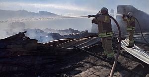 Hayvanların Bulunduğu Ahır'da Yangın Çıktı.