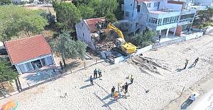 Mimarsinan Mahallesi'nde metruk yapının yıkımı gerçekleştirildi