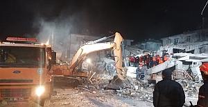 Elazığ depreminde hayatını kaybedenlerin sayısı 29'a yükseldi
