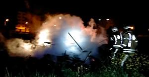 Silivri'de güvercinlerin bulunduğu barakada yangın