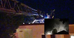 Silivri'de Çıkan Yangında Villa'nın Çatısı Zarar Gördü