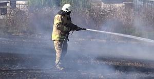 Silivri'de otluk alan yandı, bir baraka'da kundaklandı