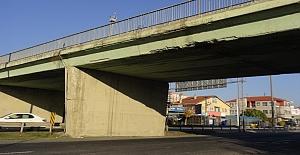Bölge Trafik Yanındaki Köprüde Korkutan Görüntüler