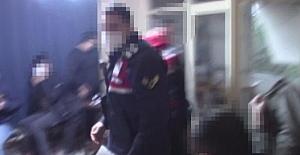 Silivri'de jandarmadan kumar baskını; 11 kişi kumar oynarken yakalandı