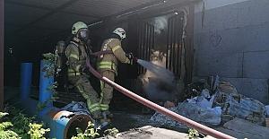 Silivri'de mangal kömür üretimi yapılan tesiste yangın