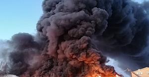 Silivri'de Fabrika Alevlere Teslim Oldu