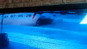 Öğrencilere çarpan sürücünün kaza anı güvenlik kamerasında